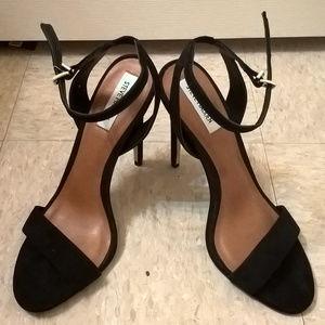 Steve Madden Black Ankle Strap Peeptoe Heels 10M